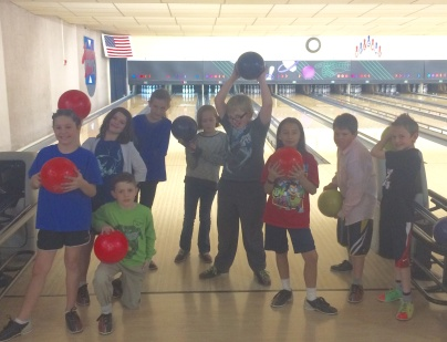 coop-bowling-party-group-shot